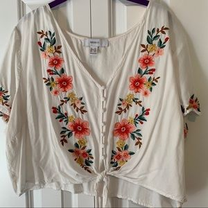 Cropped Embroidered Shirt